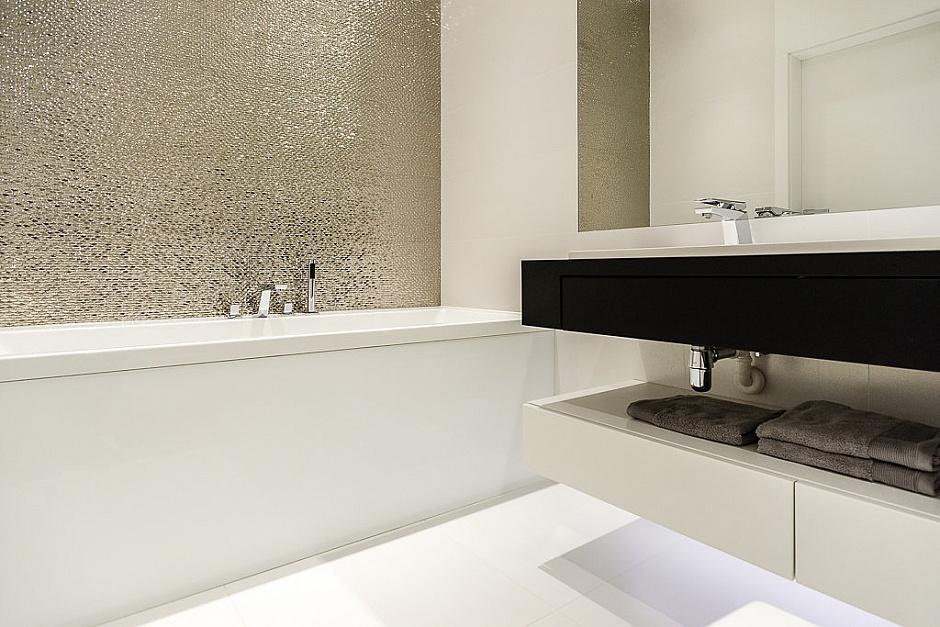 стилен апартамент със светъл интериор в полша_баня_4