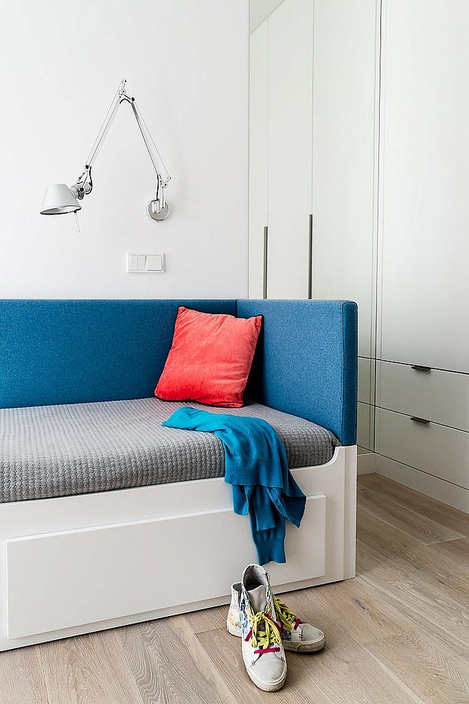 стилен апартамент със светъл интериор в полша_детска стая_3