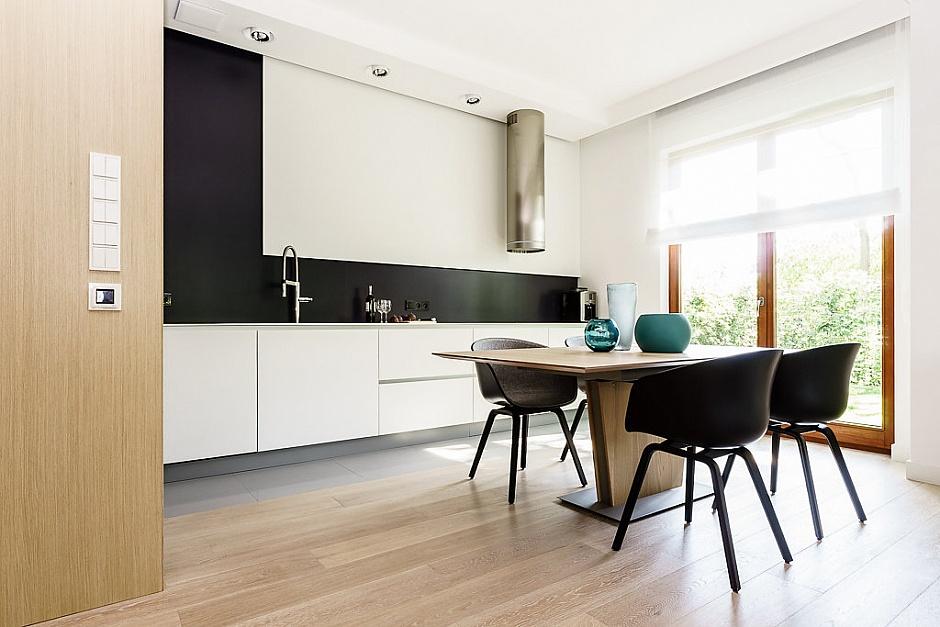 стилен апартамент със светъл интериор в полша_12