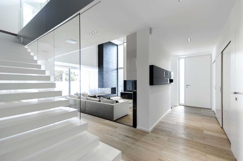 къща черно бяло 11