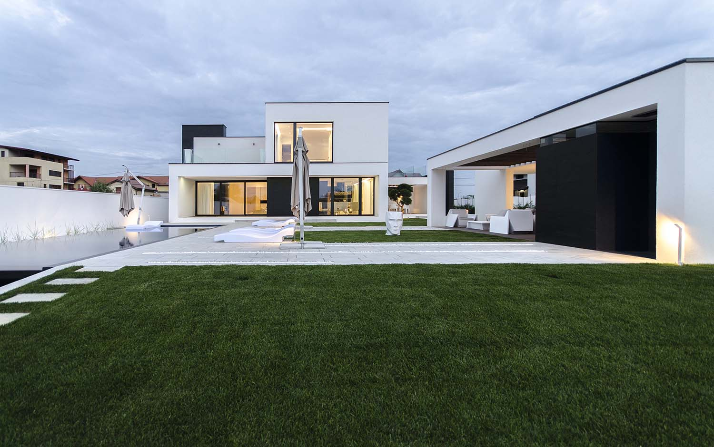 къща черно бяло 4