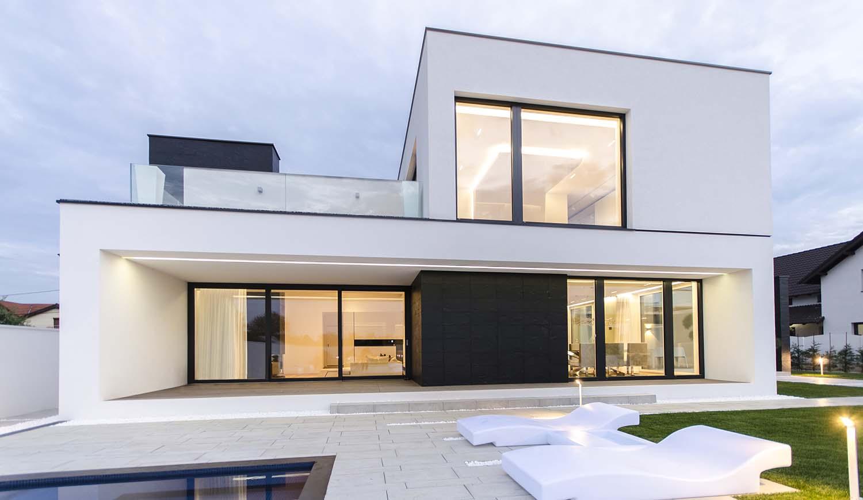 къща черно бяло 6