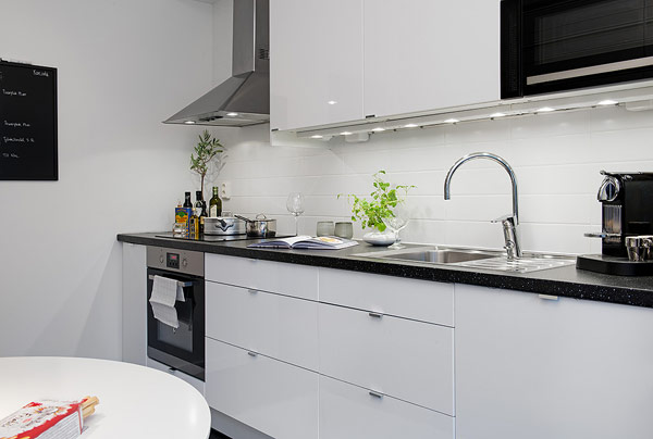 черно бяла кухня 15