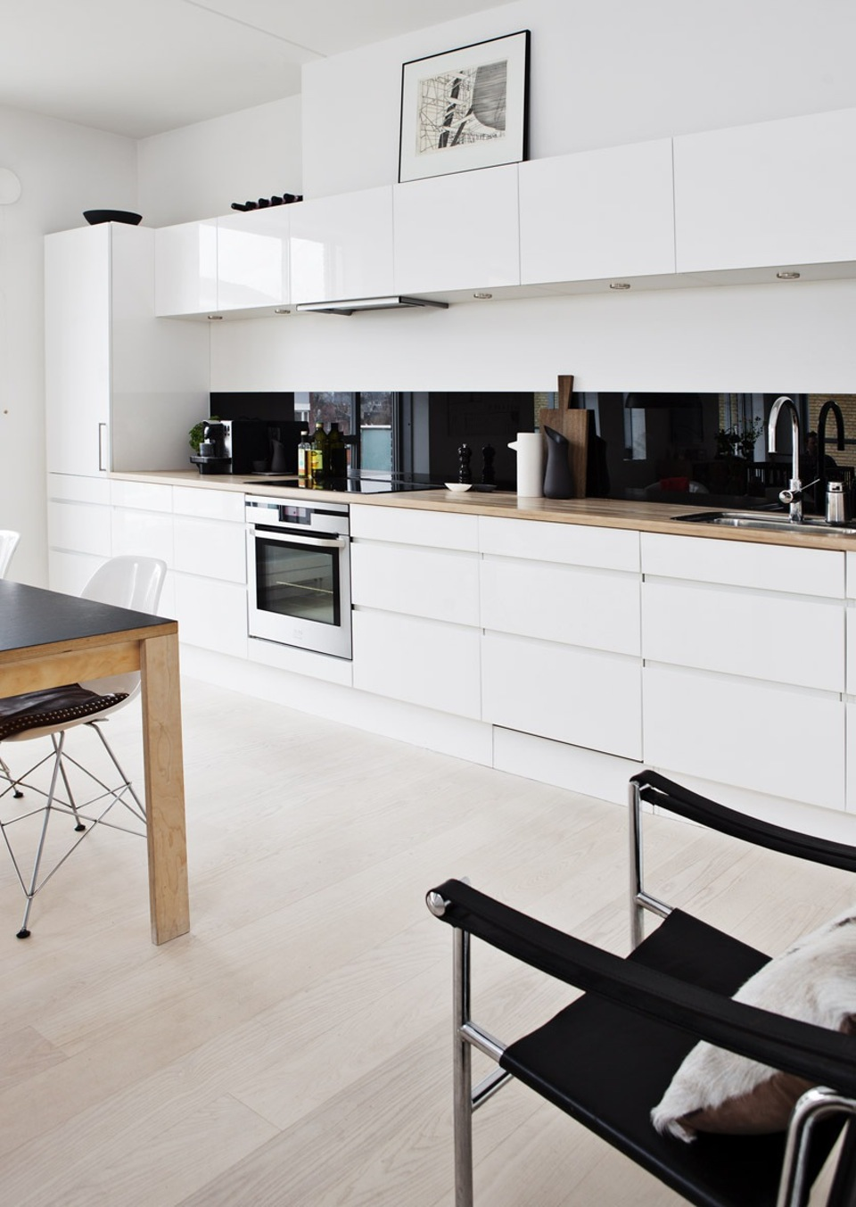 20 for Modern one wall kitchen design