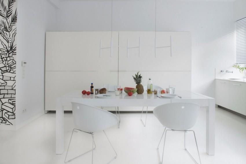 апартамент в бяло с артистична стена - 7