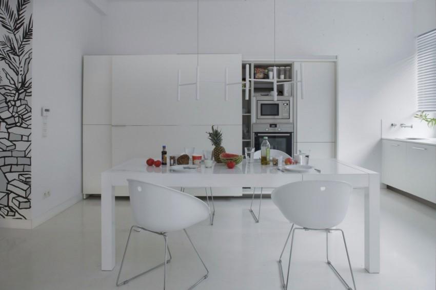 апартамент в бяло с артистична стена - 8