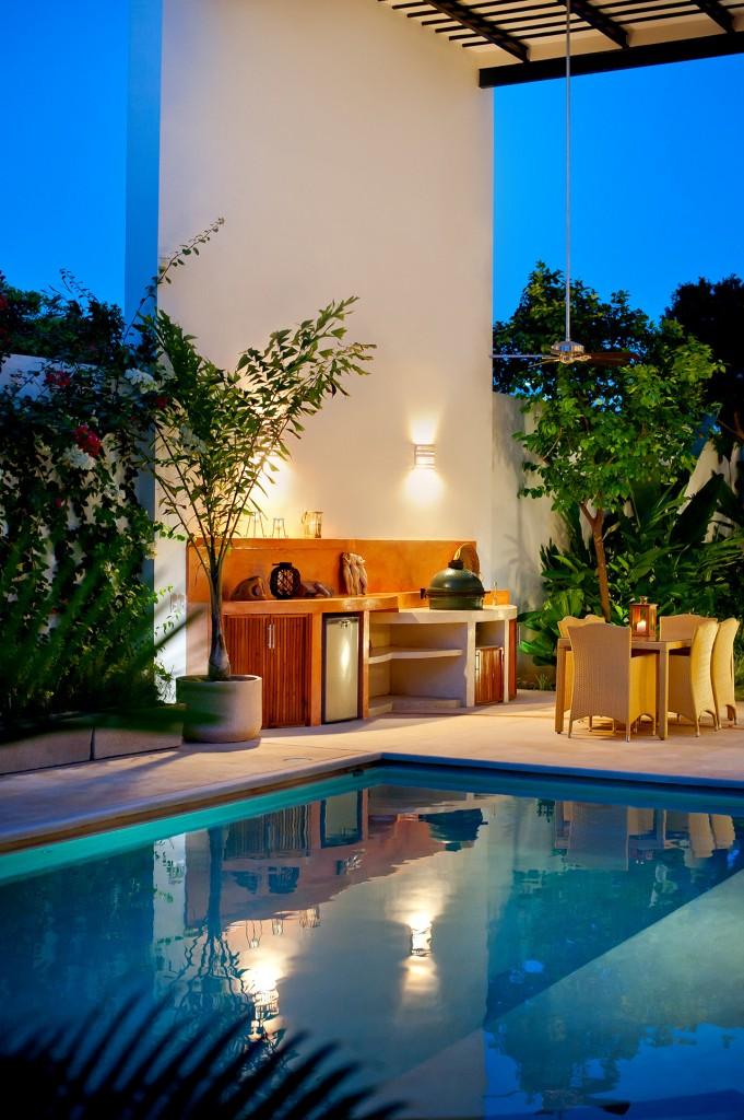къща с басейн и отворен дизайн - 11