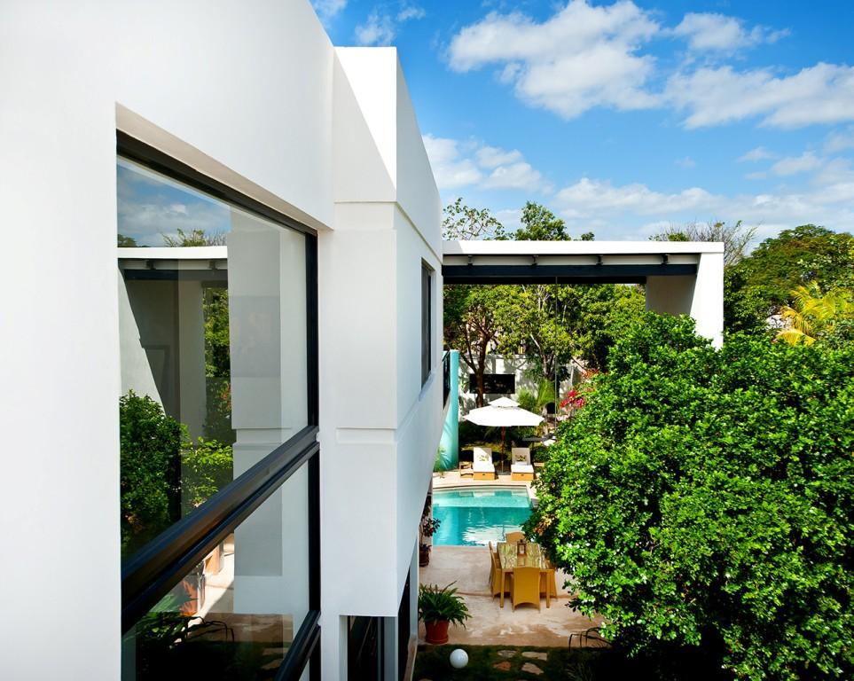 къща с басейн и отворен дизайн - 4