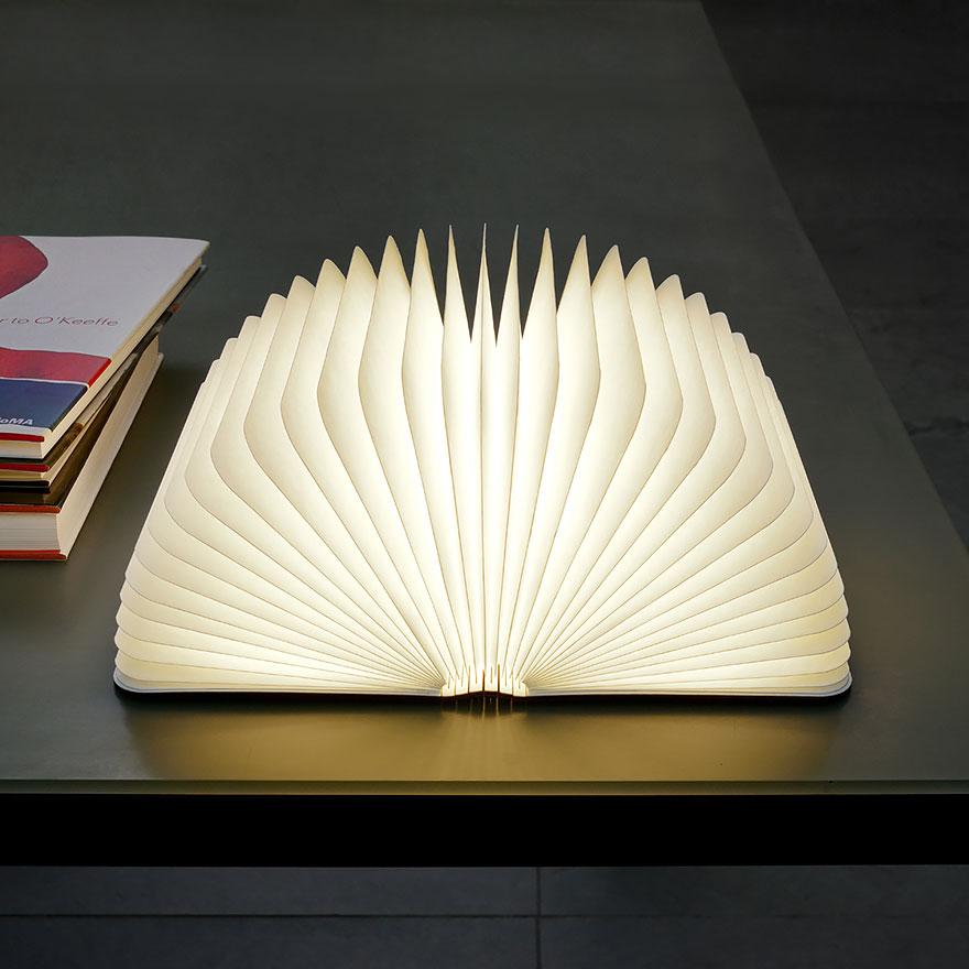лампа като отваряща се книга - 2
