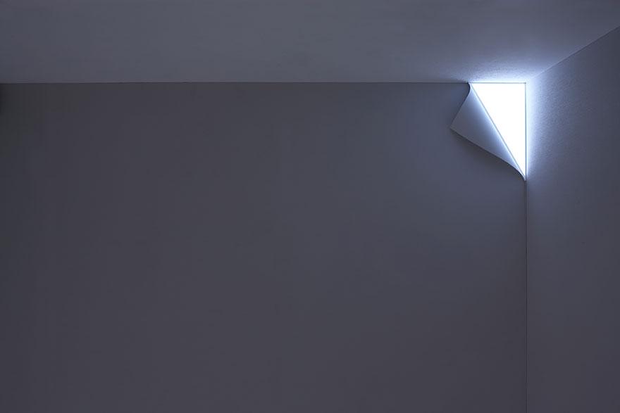лампа като отлепящ се ъгъл на стена -2