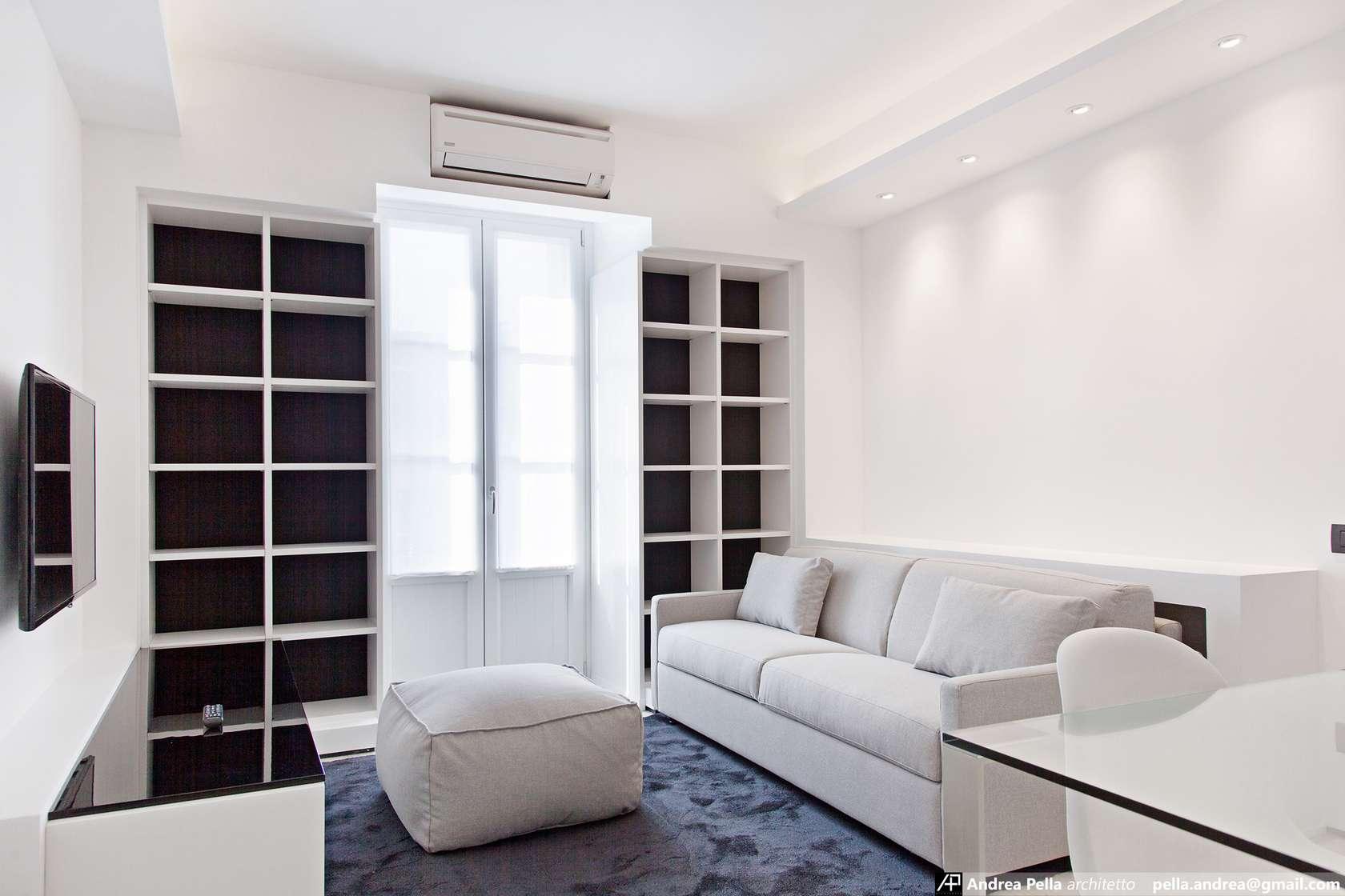 малък апартамент в минималистичен стил - 1