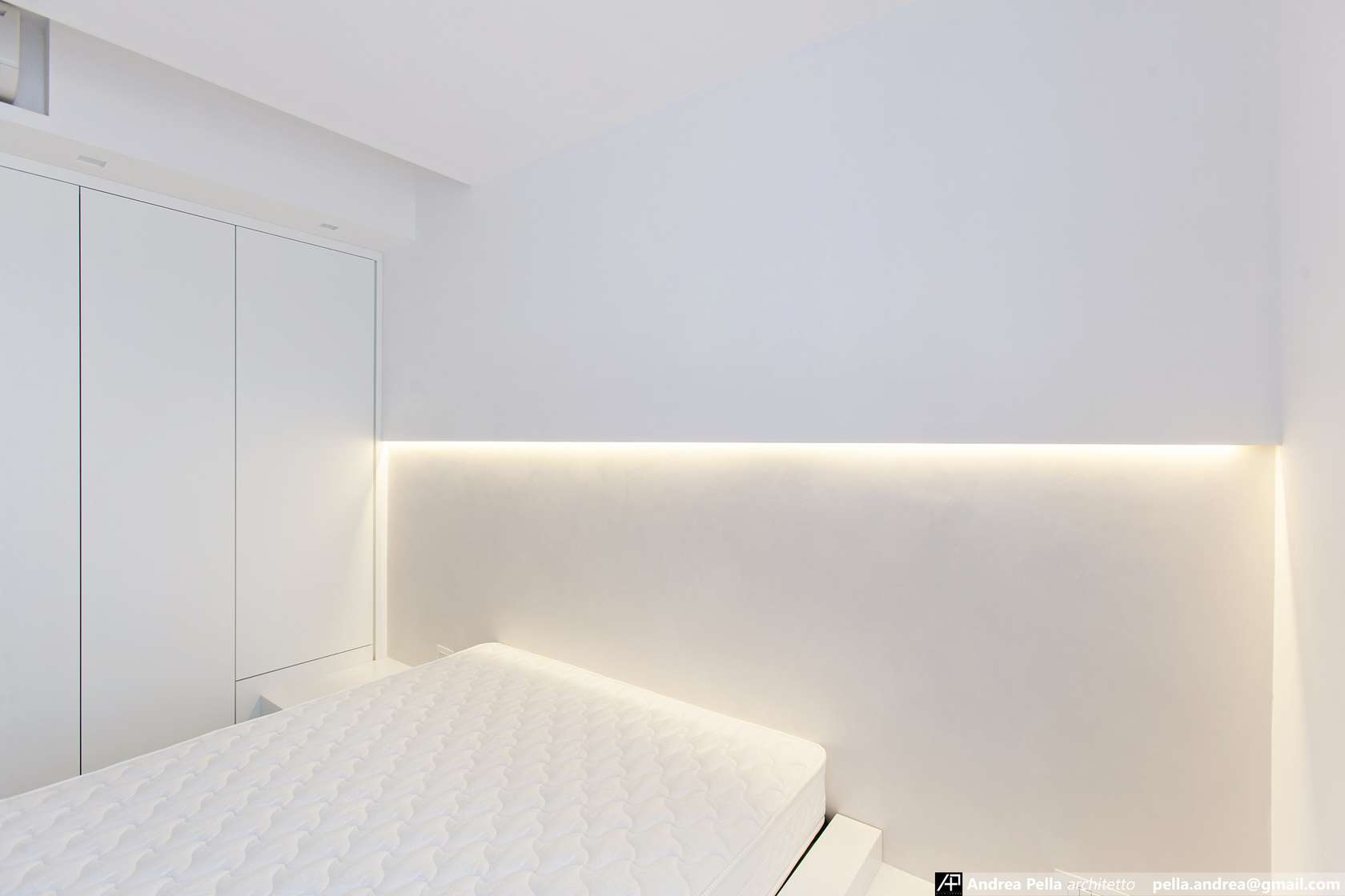 малък апартамент в минималистичен стил - 24