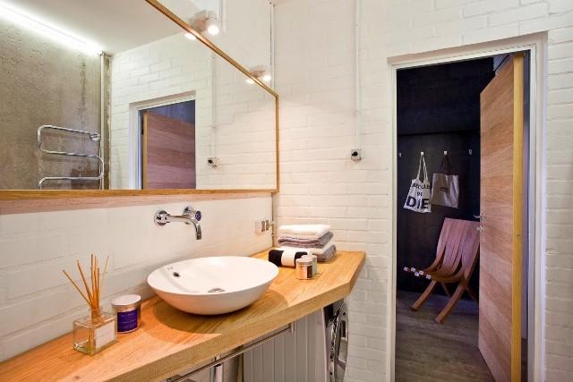малък апартамент с бетонни стени - 16