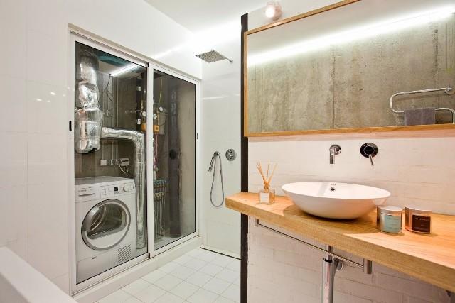 малък апартамент с бетонни стени - 18