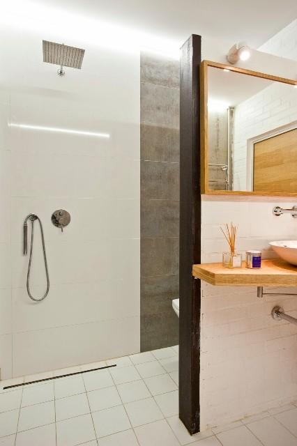 малък апартамент с бетонни стени - 19