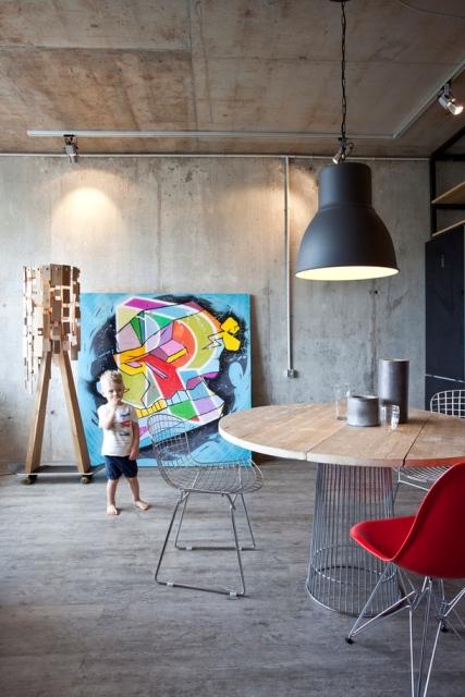 малък апартамент с бетонни стени - 22
