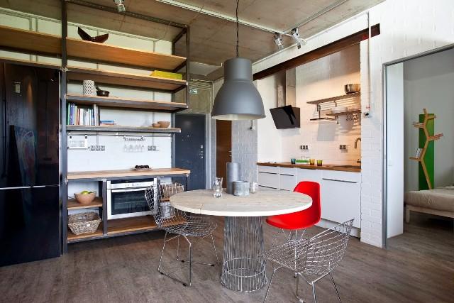 малък апартамент с бетонни стени - 3