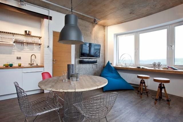 малък апартамент с бетонни стени - 6