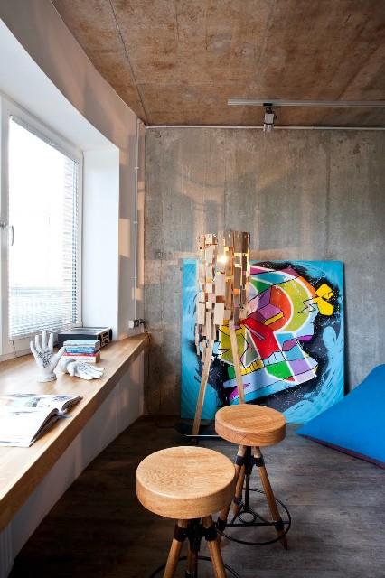 малък апартамент с бетонни стени - 7