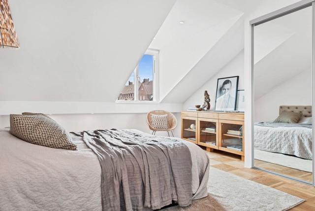свеж просторен скандинавски апартамент - 25
