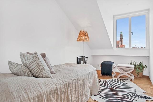 свеж просторен скандинавски апартамент - 27
