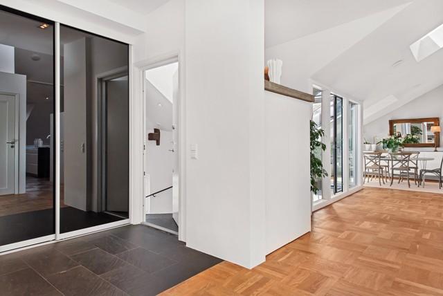свеж просторен скандинавски апартамент - 28