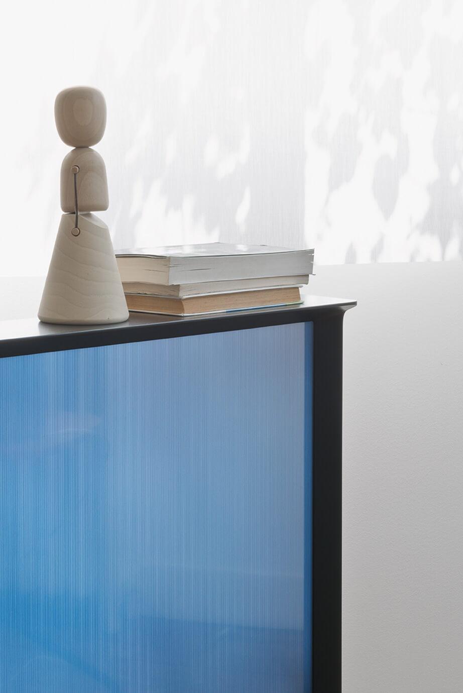 телевизор Samsung Serif - 3