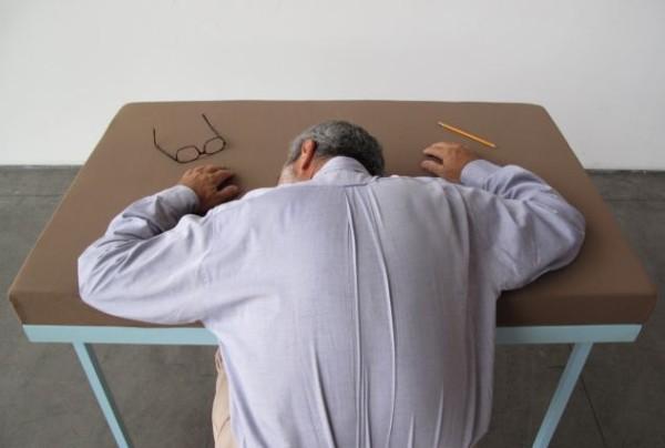 бюро с мека повърхност