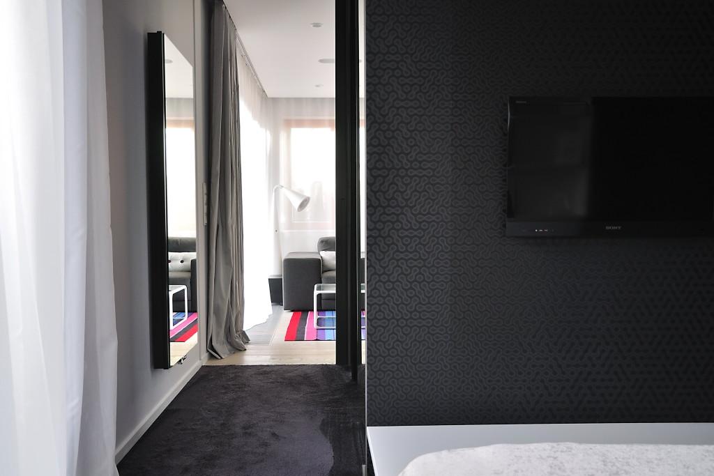 жилище с оригинален и модерен интериор - 18