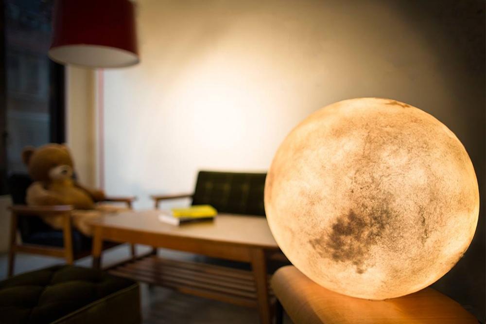 лампа като луна - 1