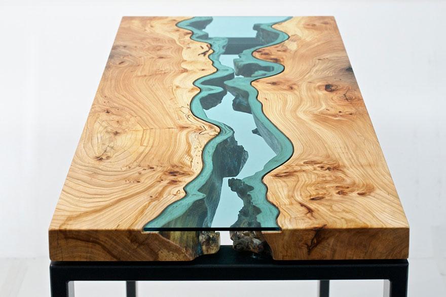 маса стъклена река