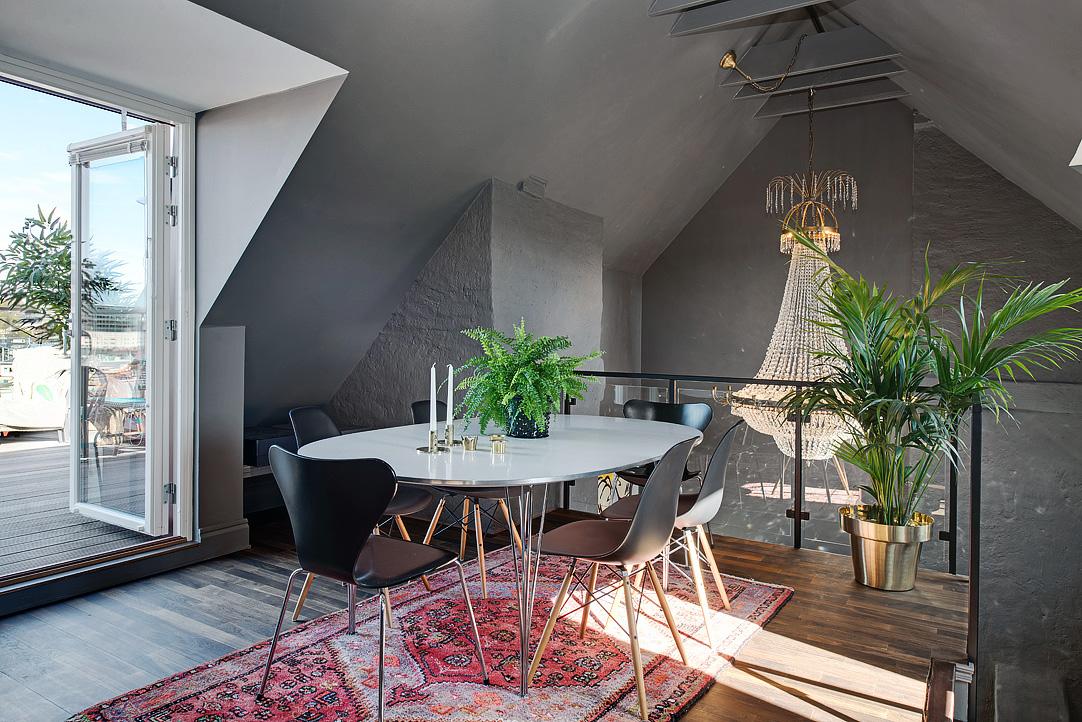 скандинавски апартамент с тъмни стени 1