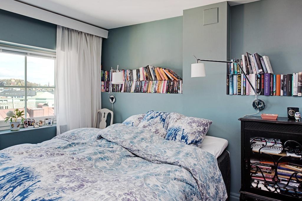скандинавски апартамент с тъмни стени - 19