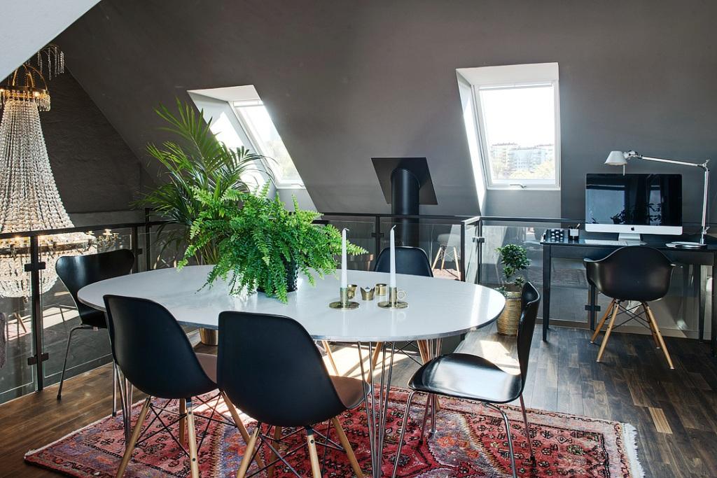скандинавски апартамент с тъмни стени - 28