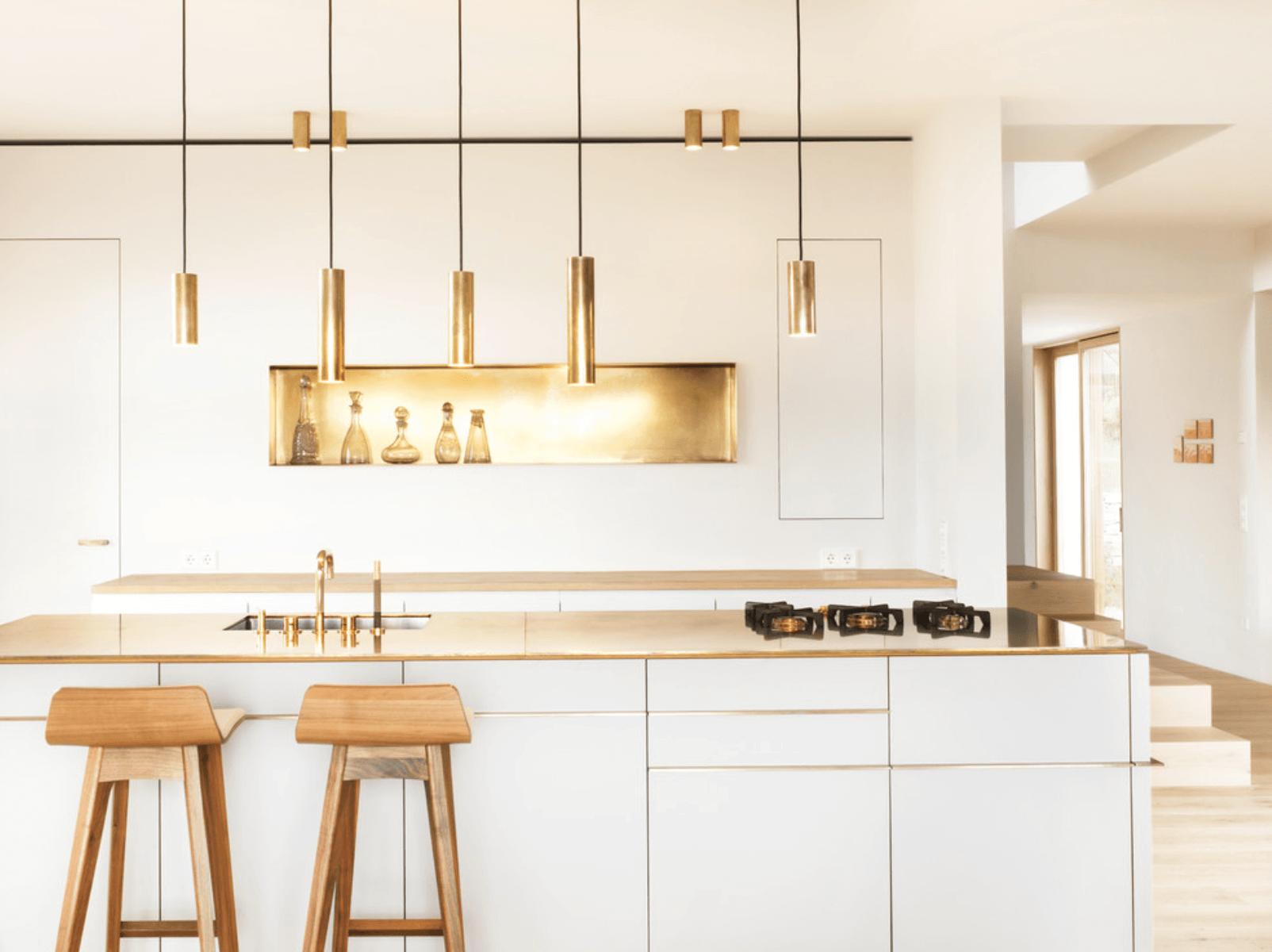 кухня с бяло и злато_2