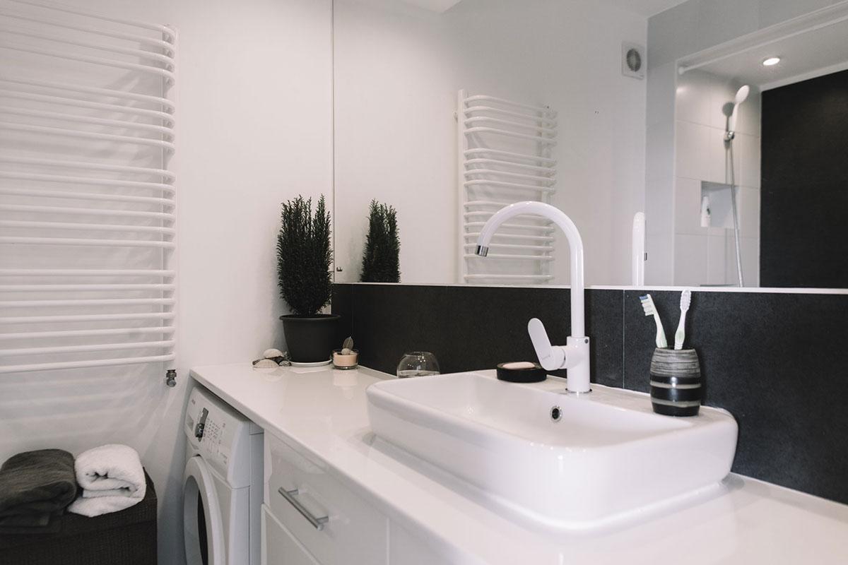 малък апартамент с изчистен интериор_14