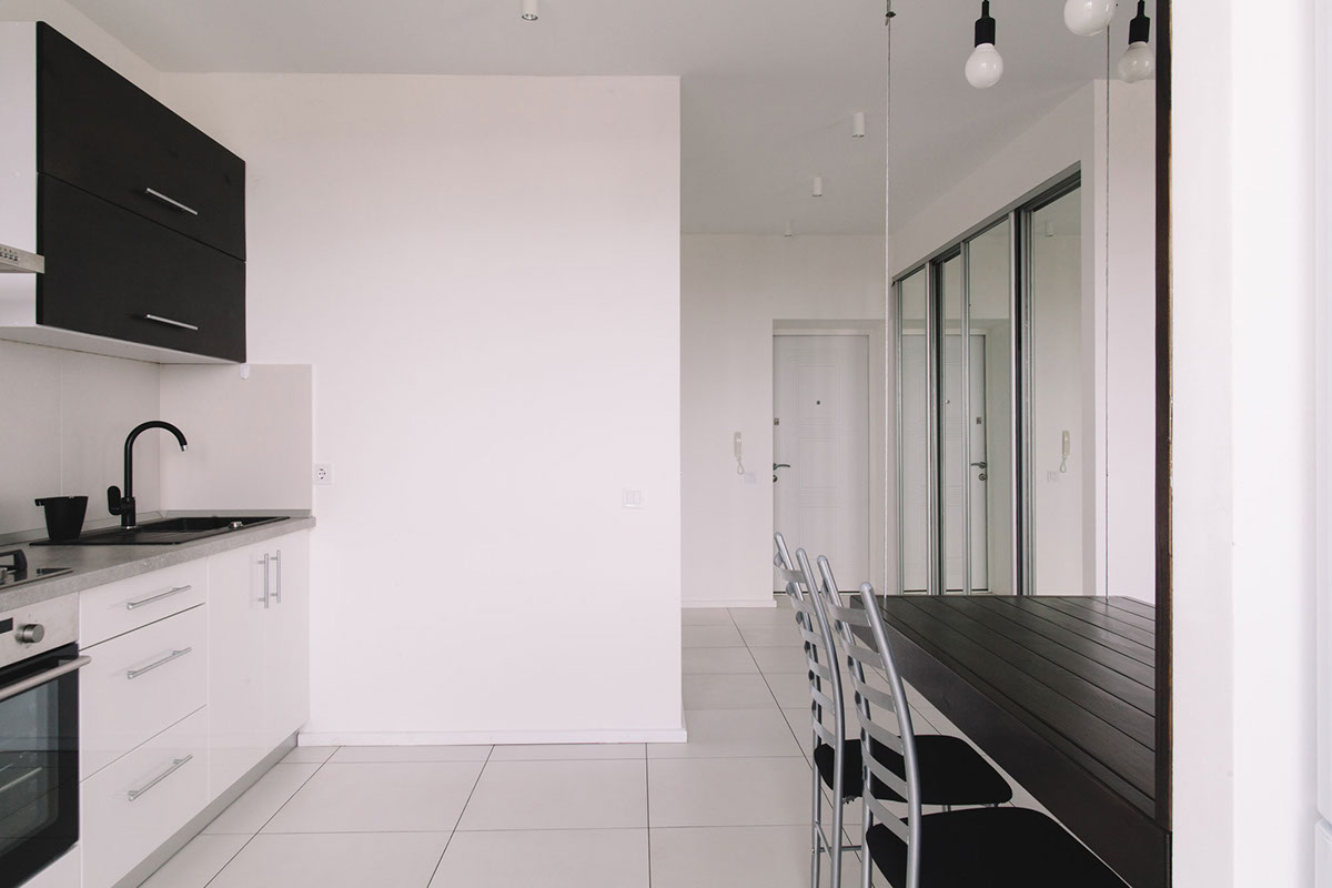 малък апартамент с изчистен интериор_15
