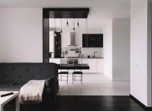 малък апартамент с изчистен интериор_2