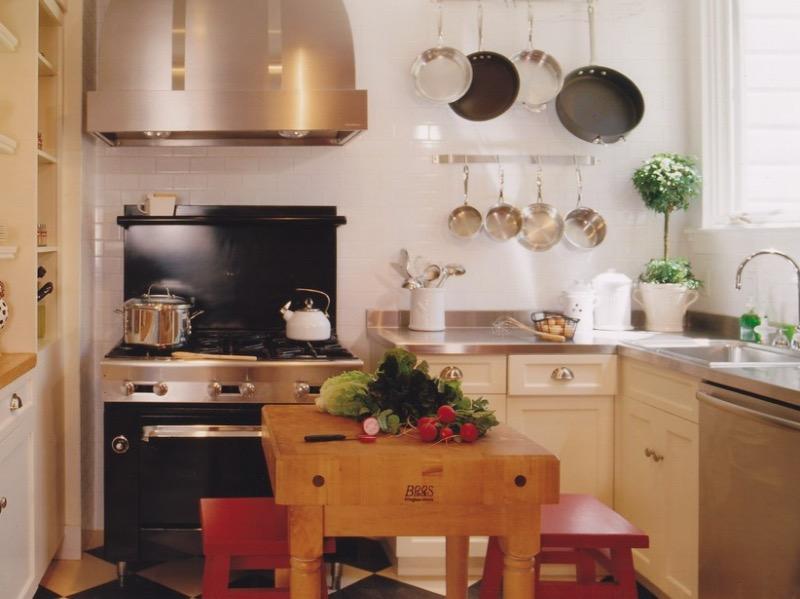 кухненски остров от дървена маса
