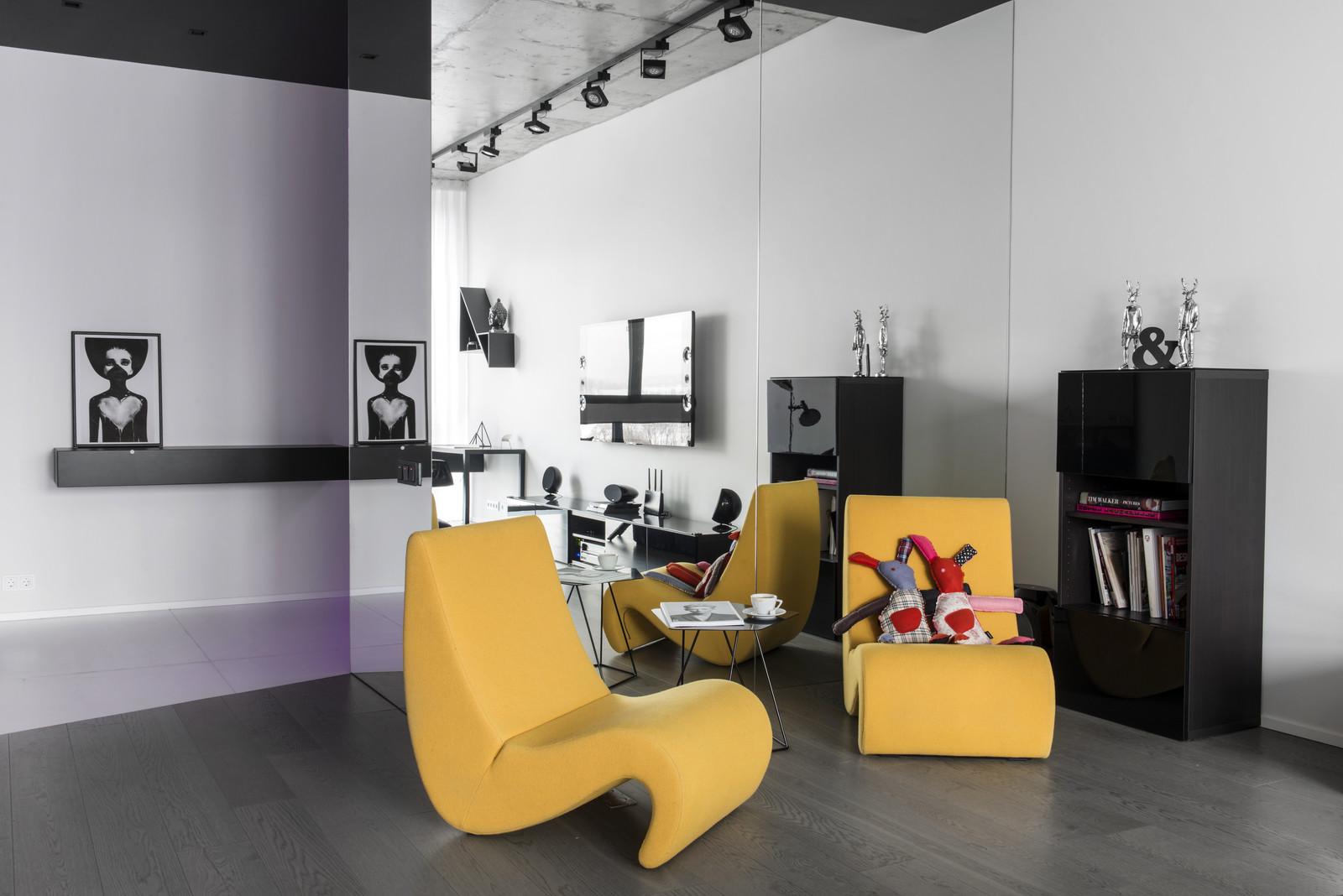 черно-бял интериор с цветни детайли_7