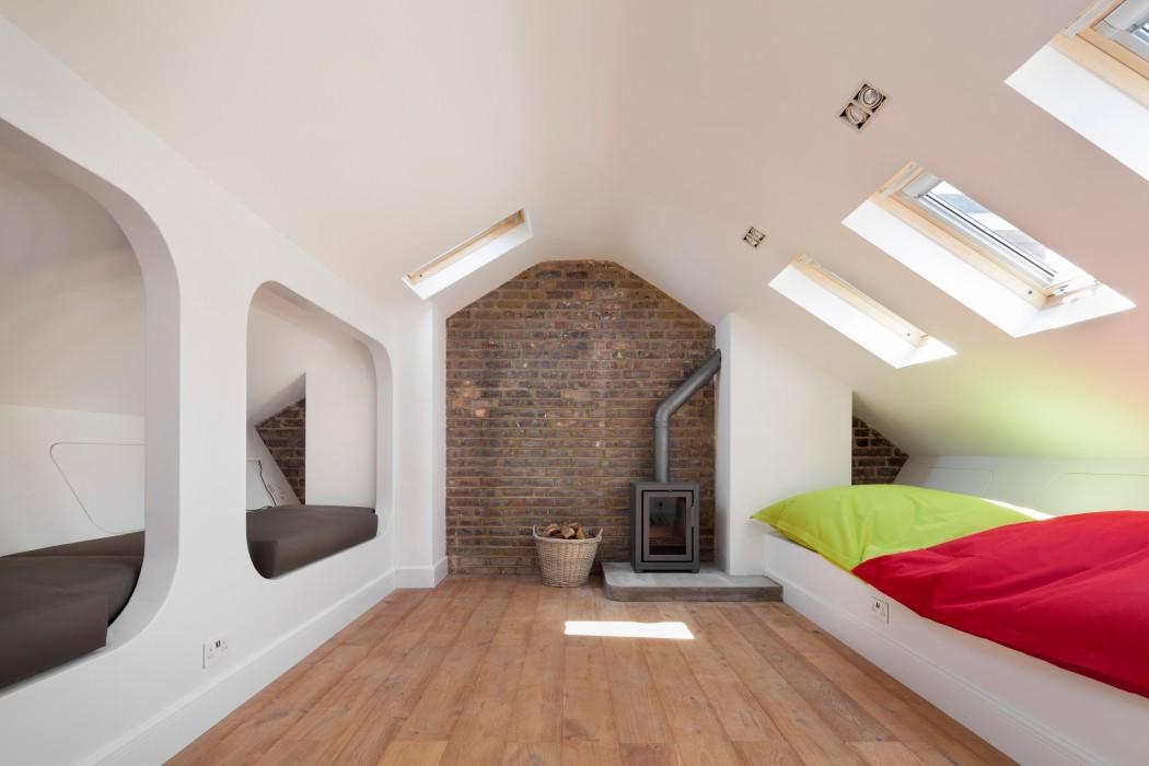 двуетажна къща със светъл интериор_9