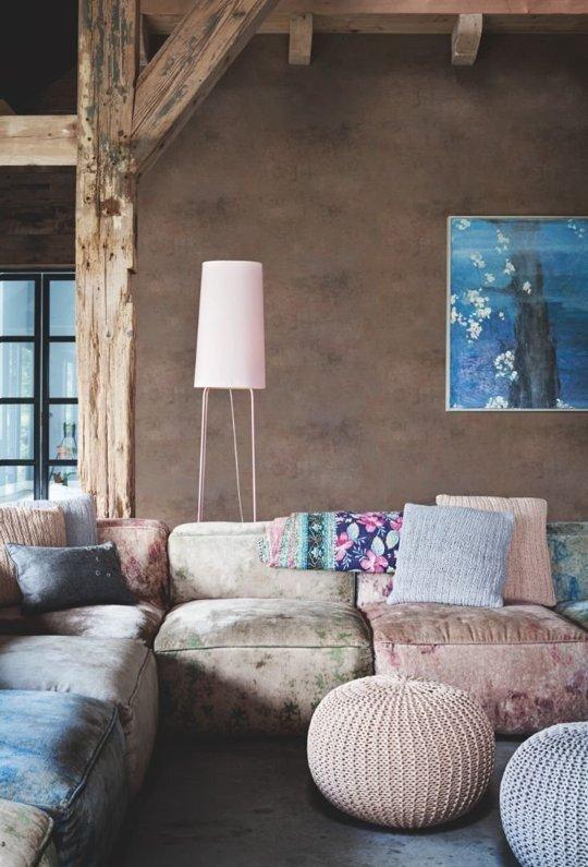 диван в синьо и розово
