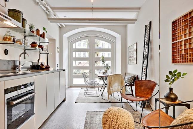 малък апартамент със стъклени прегради_33 кв. м_2
