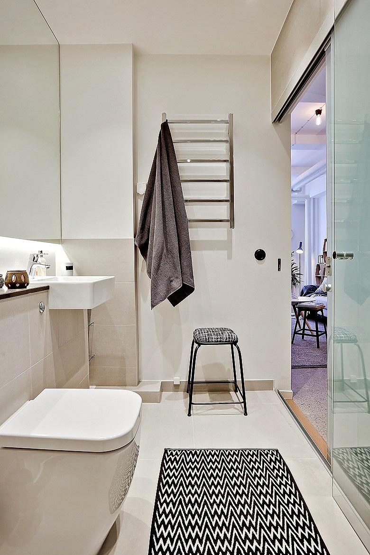 малък апартамент със стъклени прегради_35 кв. м_12