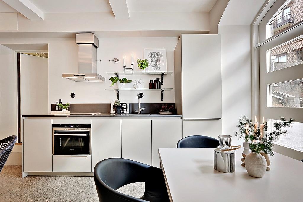 малък апартамент със стъклени прегради_35 кв. м_2