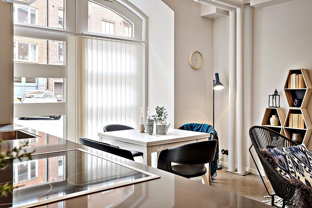 малък апартамент със стъклени прегради_35 кв. м_3
