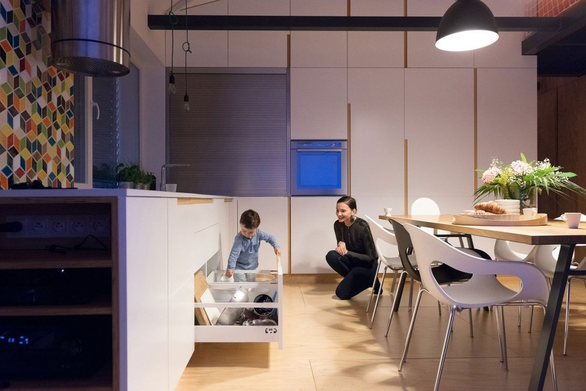 просторен и модерен лофт с второ ниво_15
