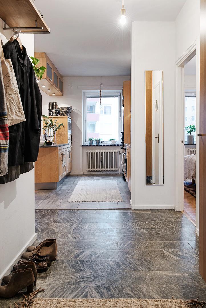 светъл двустаен апартамент в скандинавски стил_антре