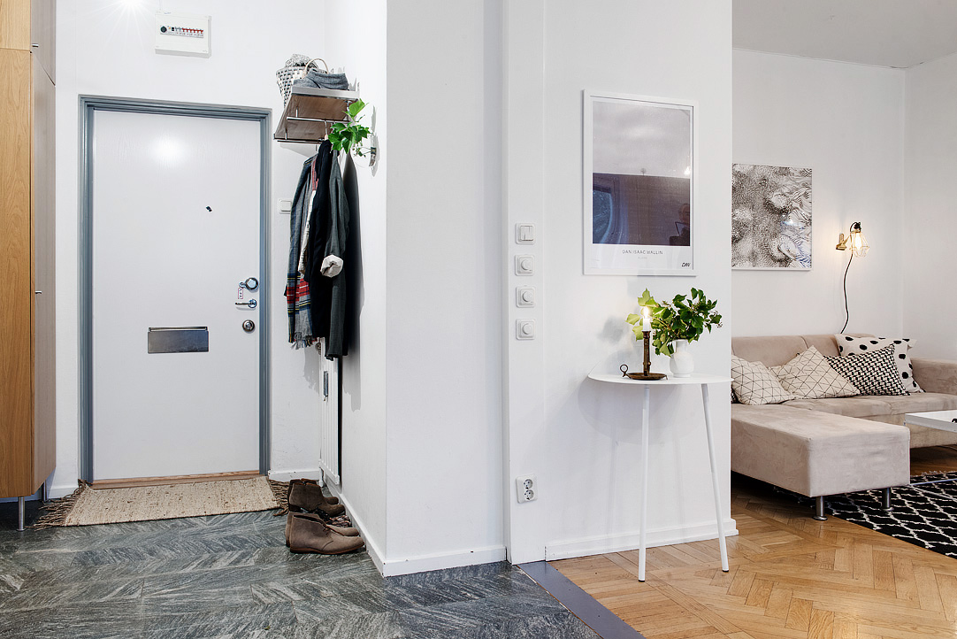 светъл двустаен апартамент в скандинавски стил_антре2
