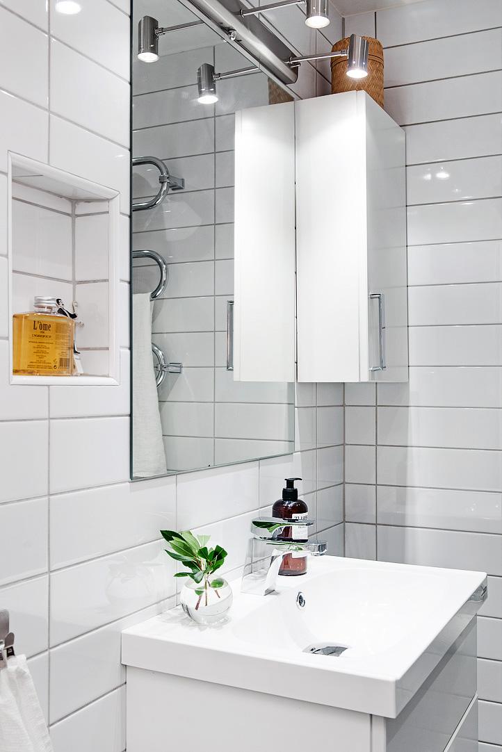 светъл двустаен апартамент в скандинавски стил_баня